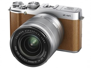 FUJIFILM X-M1。装着レンズはXC 16-50mm F3.5-5.6 OIS
