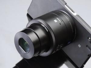 DSC-QX100(デジカメWatch)