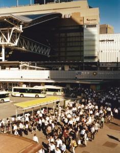 谷本恵写真展「大阪駅 ピープルアラウンド」1
