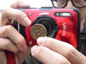 STYLUS TG-2で「5円玉レンズ」に挑戦(デジカメWatch)