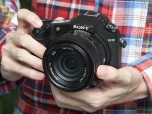 SONY DSC-RX10(デジカメWatch)