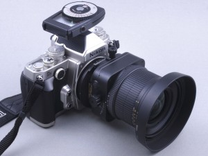 ニコンDfでアオリ撮影用「PC-Nikkor」(デジカメWatch)