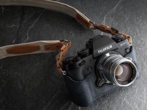 FUJIFILM X-T1 + Canon 50mm F1.8(デジカメWatch)