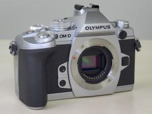 OLYMPUS OM-D E-M1シルバー