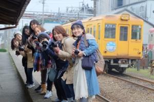銚子電鉄仲ノ町駅できょん♪さんと一緒にパチリ♪