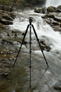 W-2204+K-20X。水の中に躊躇なく設置できる防水三脚