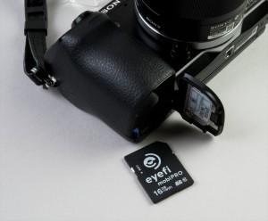 「Mobi Pro」の見た目は普通のSDカードと同じ