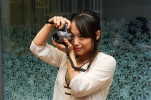 まずは撮る前の準備とカメラの構え方を伝授!