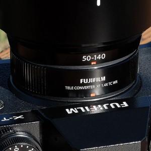 XF50-140mmF2.8 R LM OIS WR」にテレコンバーター「XF1.4X TC WR」を装着