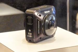360度全方位の4Kアクションカメラ
